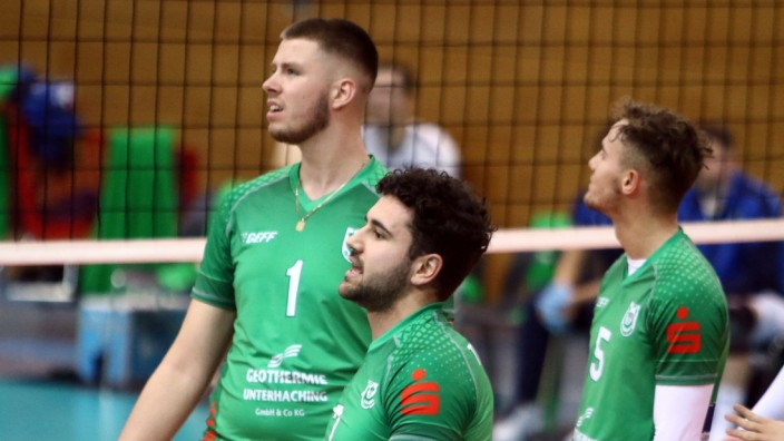 November 15, 2020, Unterhaching, Germany: from left Fabian SUCK (Haching), Simeon TOPUZLIEV (Haching/BG), .Mens Volleyba; unterhaching volleyball
