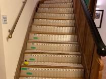 Stilkritik: Treppe: Post vom Altkanzler
