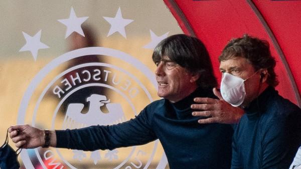 Im Joachim Loew, Bundestrainer (Deutschland) in Aufregung, GER, Spanien vs. Deutschland, Fussball, UEFA Nations League,; Löw Sorg