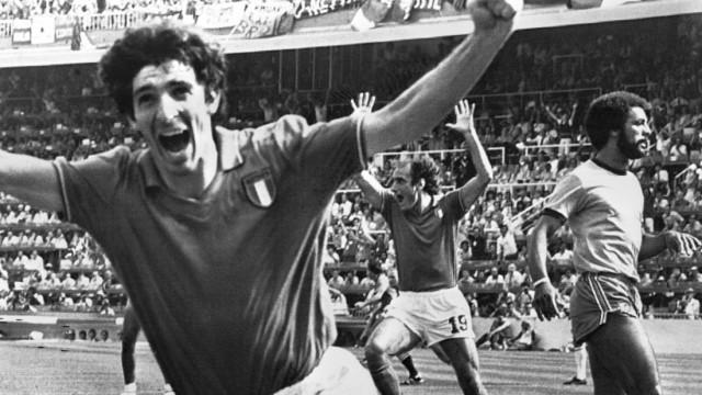 WM 1982: Italiens Stürmer Paolo Rossi jubelt gegen Brasilien