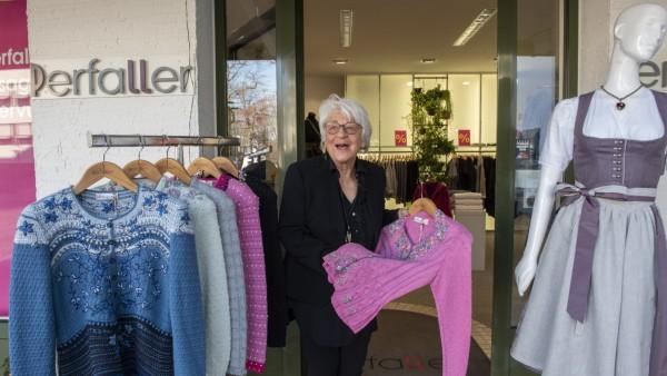 Oberhaching, Mode Perfaller, schließt demnächst, Gabriele Herrmann, Inhaberin, Foto: Angelika Bardehle