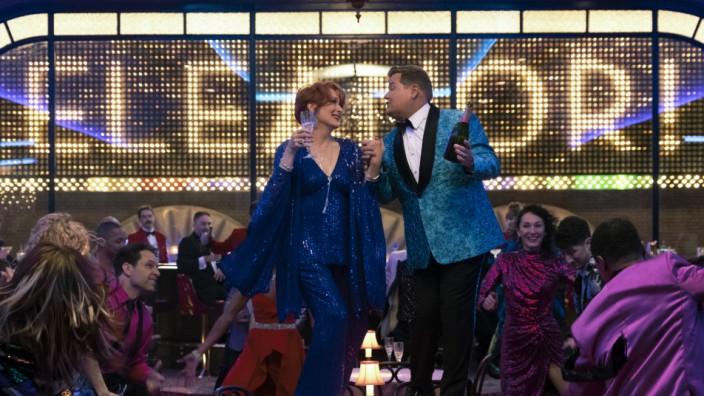 """""""The Prom"""" auf Netflix: Zusammen tanzen, dann wird schon alles gut. Behauptet zumindest der Film """"The Prom""""."""