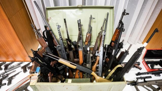 Schlag gegen Rechtsextreme: Festnahmen in Österreich und Bayern