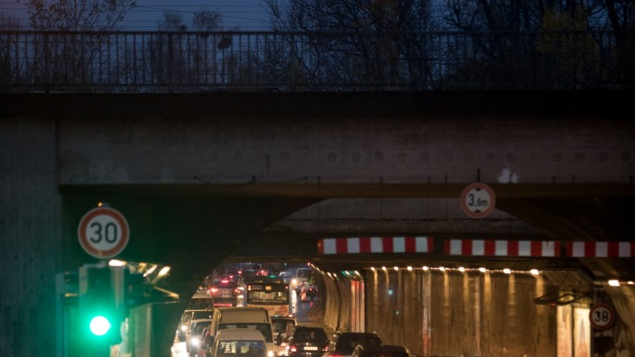 Autostau in Tunnel in München, 2017