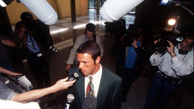Jean Marc Bosman (Belgien) im Mittelpunkt des Medieninteresses in seinem Prozeß vor dem Europäischen Gerichtshof - PUBL; Bosman