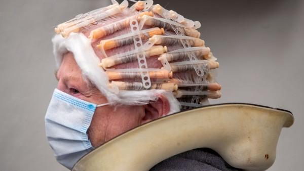 Coronavirus - Friseursalons müssen wieder schließen
