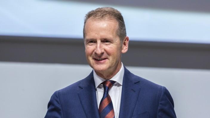 Dr. Herbert Diess (Vorstandsvorsitzender VW AG) auf derm VW Hauptversammlung im City Cube am 14.05.2019 in Berlin *** D