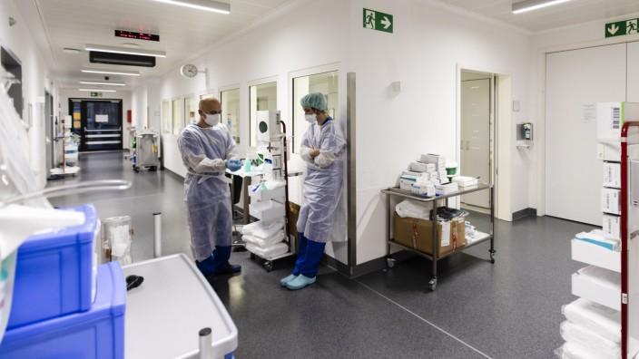 Intensivstation der Uniklinik in Kiel während der Corona-Pandemie