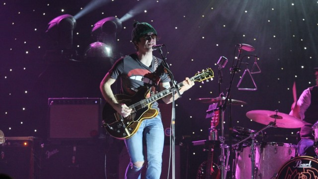8/ Konzert: Ryan Adams, Sängeri in der Berliner Arena, Singer-Songwriter, Rock, Country, Folk, Musik Berlin Deutschland,