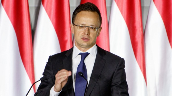Péter Szijjßrtó Foreign Minister is speaking on the campaigne opening ceremony of Fidesz in Budapest