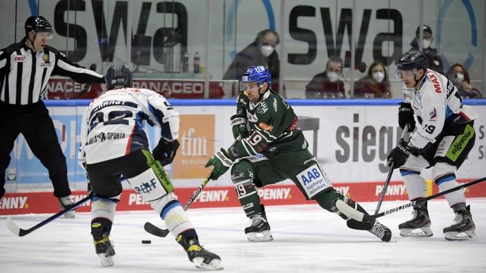 08.12.2020, xemx, Eishockey DEL Testspiel, Augsburger Panther - Straubing Tigers emspor, v.l. Marcel Brandt (Straubing