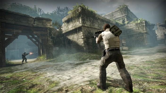 """Terrorbekämpfung: Stephan B. war oft auf Gaming-Plattformen unterwegs, vertrieb sich die Zeit mit Ego-Shooter-Spielen wie """"Counter Strike""""."""