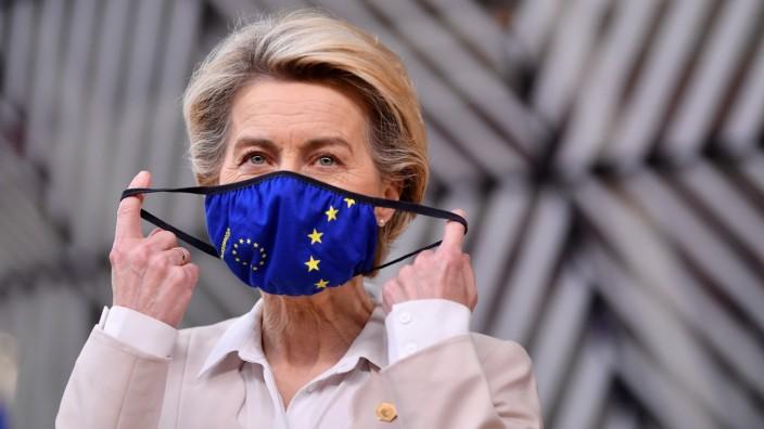 FILE PHOTO: European Commission head Ursula von der Leyen arrives for an EU summit in Brussels
