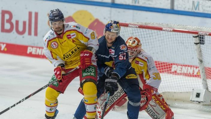 Eishockey, Magenta Cup, 11.12.2020, EHC Red Bull München - Düsseldorfer EG Im Bild Marco NOWAK (Düsseldorfer EG, 8), Pa