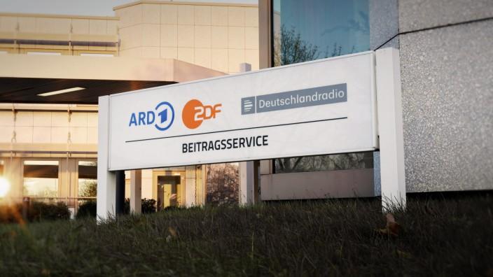 Am Dienstag wurde bekannt, dass Sachsen-Anhalt die geplante ErhËÜhung des Rundfunkbeitrages blockiert. Eigentlich sollte