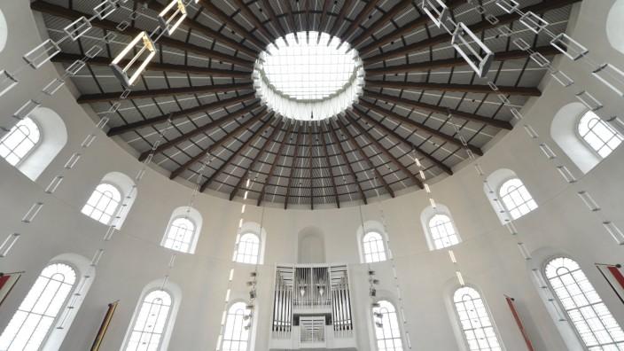 Plenarsaal mit Klais Orgel von 1988 Paulskirche Frankfurt am Main Hessen Deutschland Europa ibl