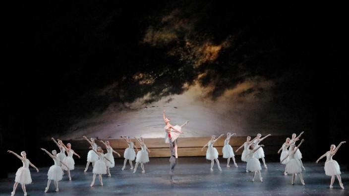 Wiederaufnahme Schwanensee in der Choreographie von Ray Barra Spielzeit 2020/21 - Corona-reduzierte Fassung