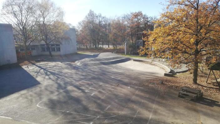 Pausenhof der Mittelschule an der Wiesentfelser Straße