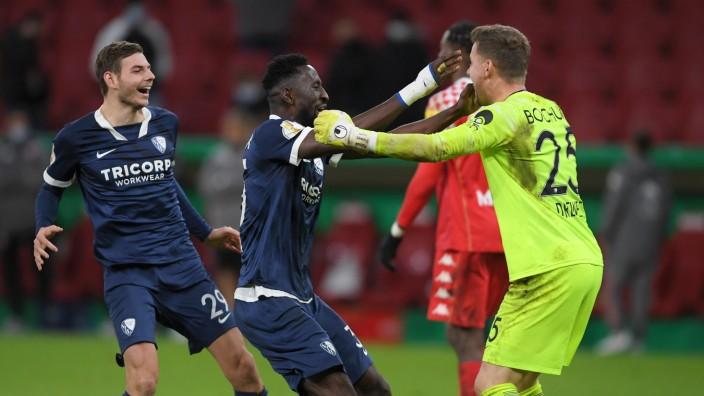 DFB-Pokal 2020: Spieler des VfL Bochum feiern den Sieg gegen den FSV Mainz 05