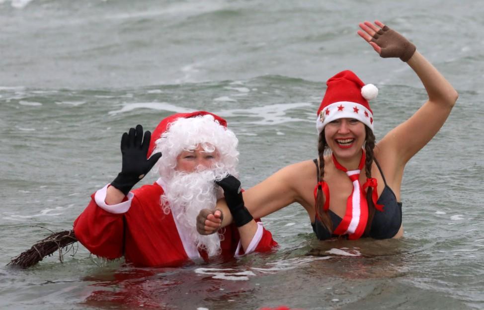 Weihnachtsbad in der Ostsee