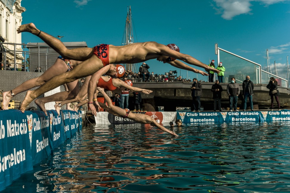 Sport Bilder des Tages December 25, 2020, Barcelona, Catalonia, Spain: Swimmers of all ages and classes compete in the 1