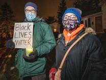 Polizeigewalt in den USA: Weißer Polizist nach Tötung eines Schwarzen entlassen