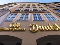 GaststâÄ°tte Donisl M¸nchen Bayern Deutschland Europa *** Restaurant Donisl Munich Bavaria Germany