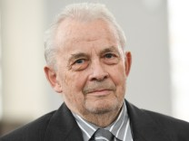 Walther Tröger gestorben