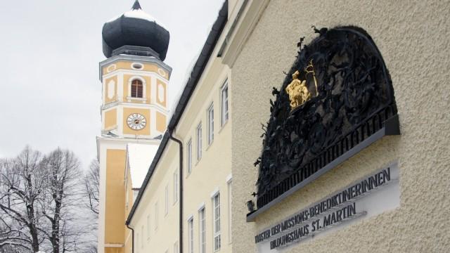 Nonnenkloster Bernried mit Klosterkirche St. Martin