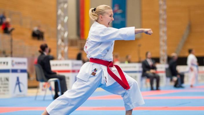 Jasmin Juettner ehmal Bleul GER 1 Wettkampftag Disziplin KATA Female Ausscheidungen am 14 09 20; Jasmin Jüttner