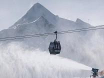 """Ansturm auf Wintersportorte: """"Dreht um, kommt nicht in die Skigebiete"""""""