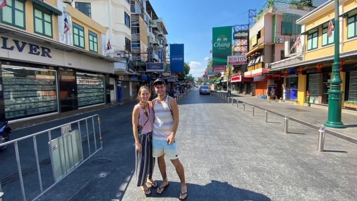Alina Eisenbeiss und Jochen Braitsch auf der Khaosan Road