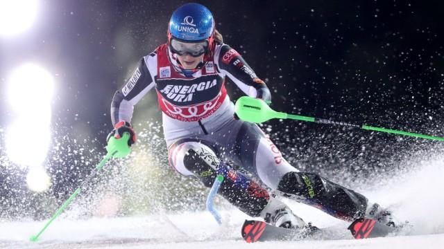 Sport Bilder des Tages Audi FIS Alpine Ski World Cup - Women s Slalom ZAGREB, CROATIA - JANUARY 03: Petra Vlhova of Slov