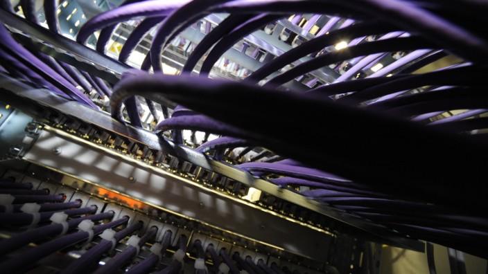 Glasfaserkabel bei M-net, 2010