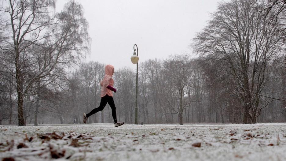 Minutenmarathon-Trainingsplan: Laufen (oder walken) Sie zum Ende der Einschränkungen