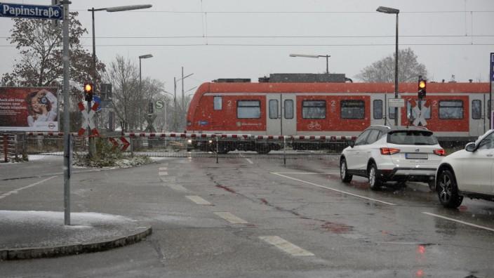 Bahnübergang Brunhamstraße München - Neuaubing