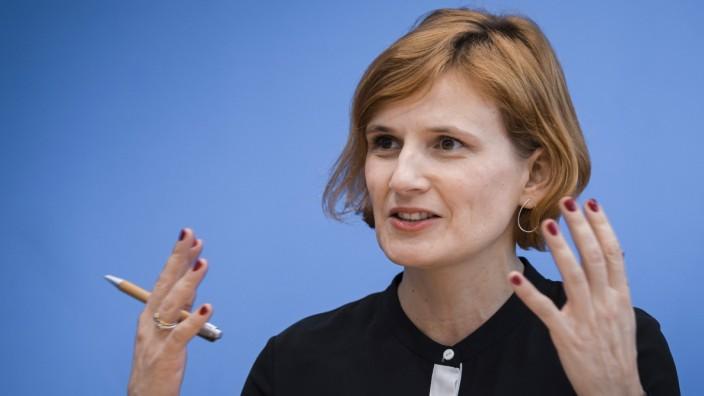 Katja Kipping, Parteivorsitzende DIE LINKE bei einer Pressekonferenz, anlaesslich der Auswirkungen der Landtagswahlen i