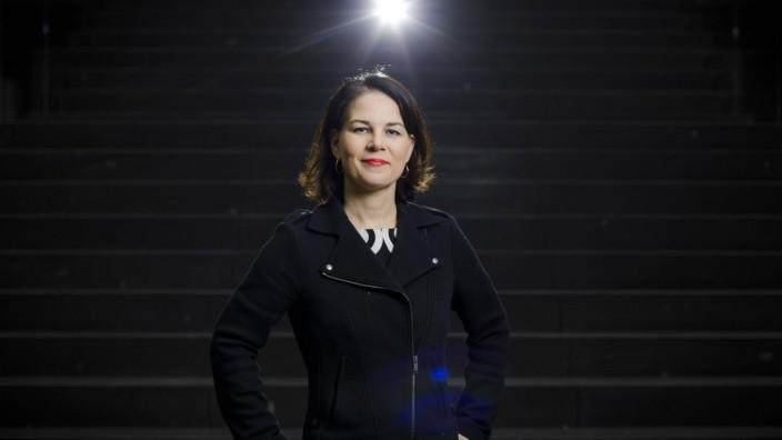Annalena Baerbock, Buendnis 90/Die Gruenen Parteivorsitzende, posiert fuer ein Foto. Berlin, 06.03.2018. Berlin Deutsch