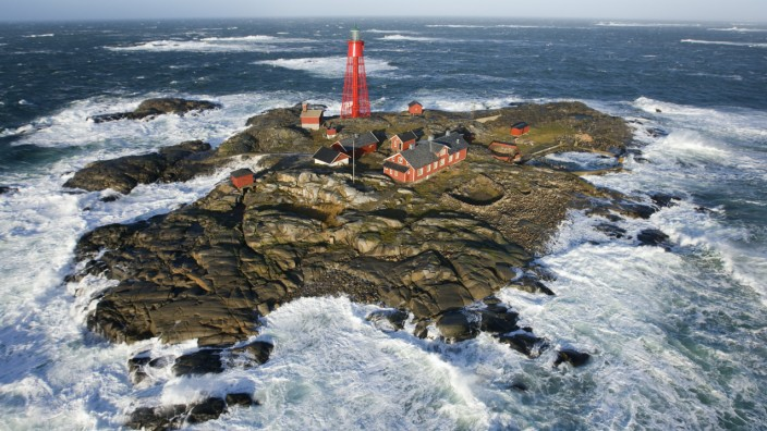 Pater Noster lighthouse in winter storm