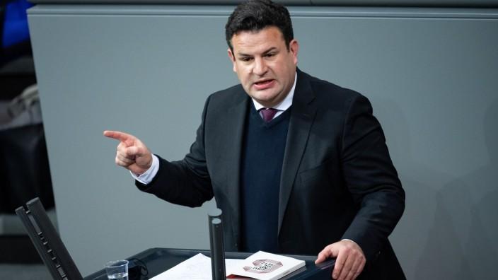 Bundesarbeitsminister Hubertus Heil im Deutschen Bundestag