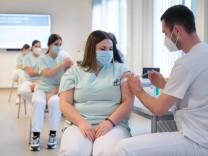Vorbereitungen für Corona-Impfungen
