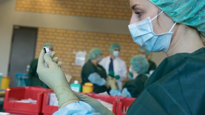 Impfstart Covid-Impfungen für Personal am LMU Klinikum Großhadern