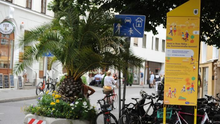 """Verkehrsberuhigte """"Sommerstraße"""" in München, 2020"""