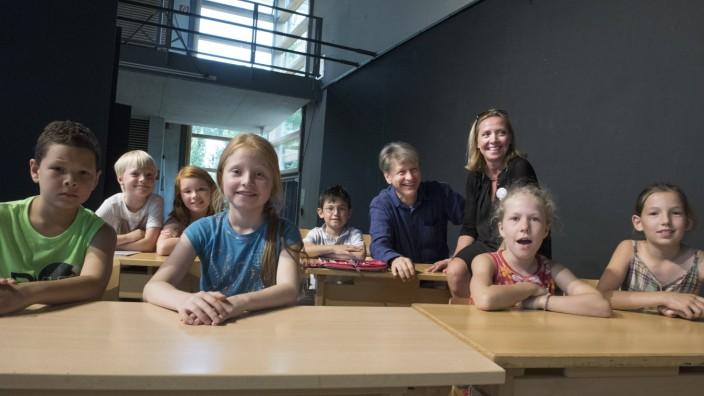 Neubiberg, Grundschule,  neuer Schulgong in Form einer Melodie,
