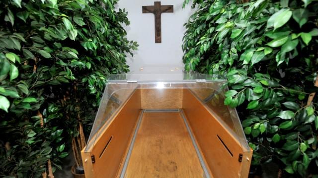 Herrsching: Friedhof -  Aussegnungshalle