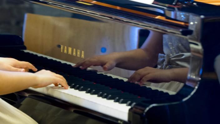 Podium Junge Musik VHS Musikschule EBE