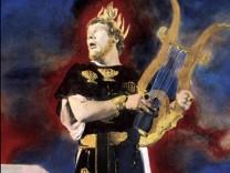 Peter Ustinov als Kaiser Neo beschließt Rom niederzubrennen