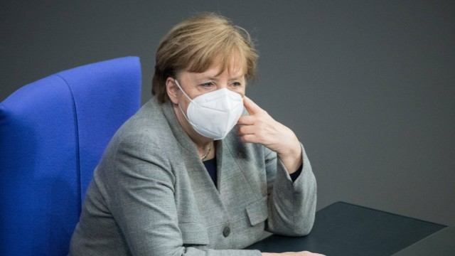 Bundeskanzlerin Angela Merkel (CDU) mit Schutzmaske am 13.01.2021 im Bundestag in Berlin. Foto: bildgehege Bundestag Au