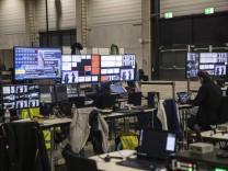 Hinter den Kulissen des digitalen Parteitages der CDU in Berlin.