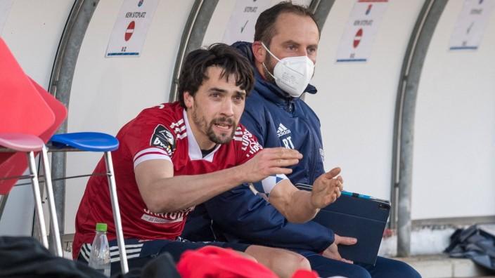 Fußball, 3. Liga, 20210116, SpVgg Unterhaching - 1. FC Magdeburg Im Bild Markus SCHWABL (SpVgg Unterhaching, 23) veräer